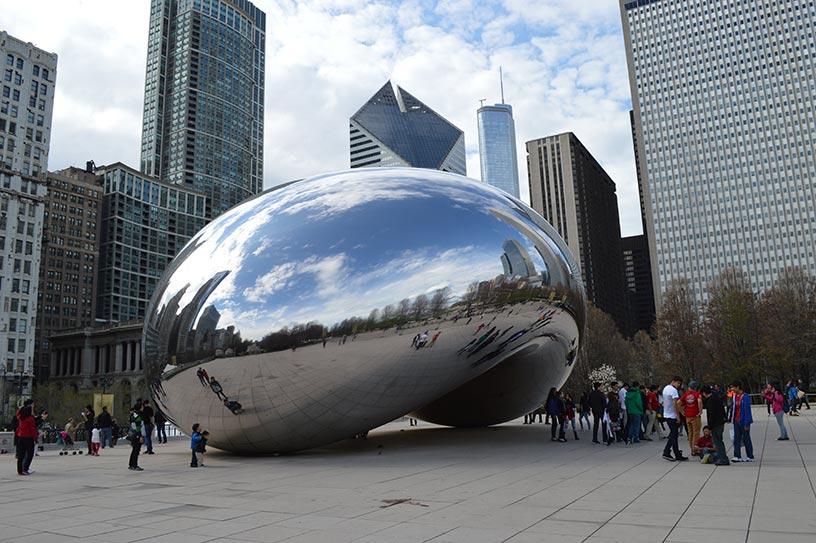 Chicago Cloud Gate (via HelloChicago.fr)