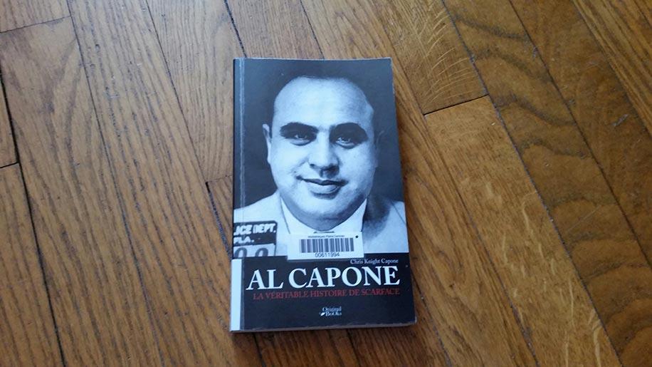 """Chris Knight Capone et son livre """"Al Capone - la véritable histoire de Scarface"""" (via HelloChicago.fr)"""
