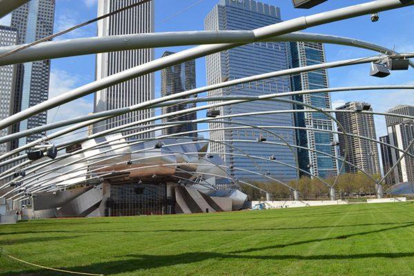 Pavillon Jay Pritzker à Chicago (via hellochicago.fr)