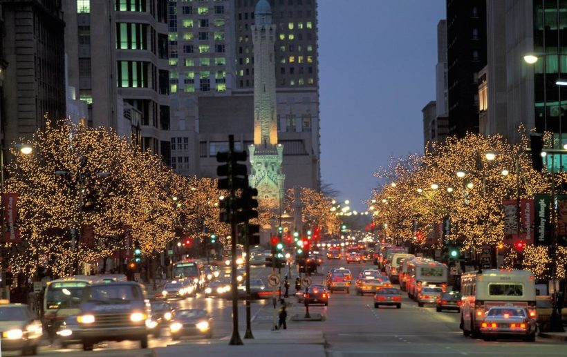 Chicago à Noël (via hellochicago.fr // photo Christian Heeb)