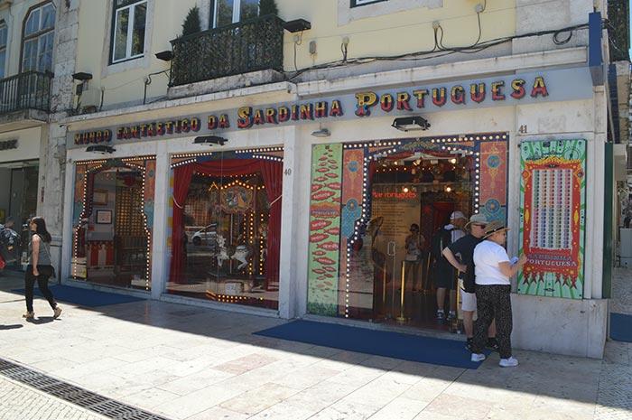 Monde Fantastique de la Sardine Portugaise
